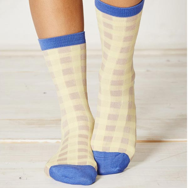 ls154-peggy-sue-yellow-bamboo-socks-close_1_1