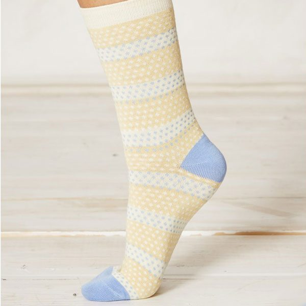 ls151-hembury-yellow-dot-bamboo-socks-close-2_1
