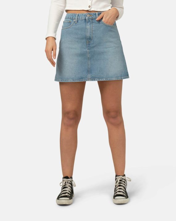 Woman-Sustainable-Jeans-Shophie-Rocks-Heavy-Stone-halffront-1