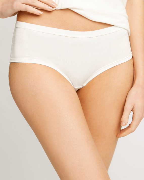 white-low-rise-shorts-65ac9539446d-1